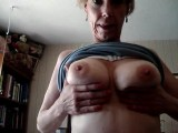 Sexy milf shows all