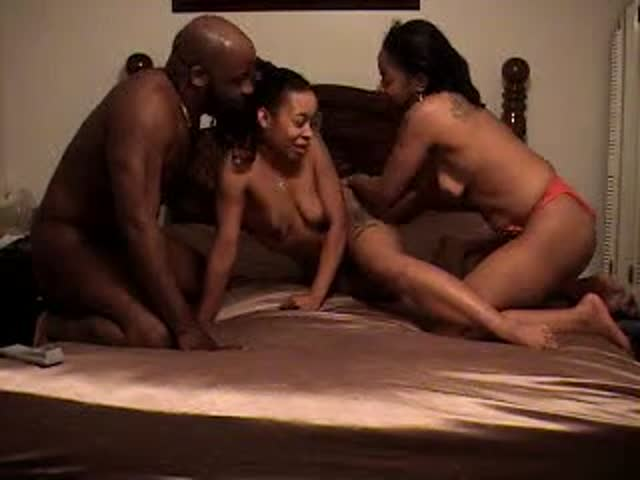 ebony amatuer threesome