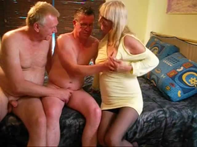 Old mature trio bisexual fucking