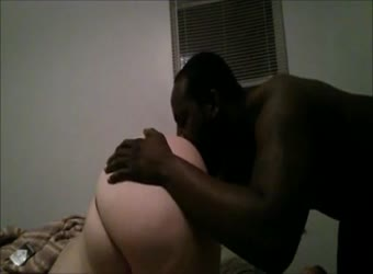 Chubby older interracial couple fuck in bed and shower