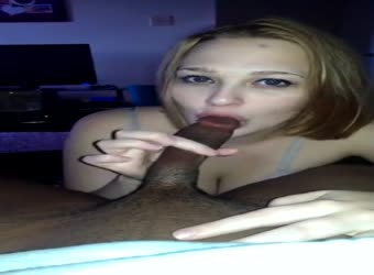 Cute white girl performs great oral sex on BBC