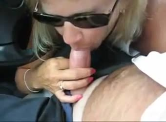 Cheating milf blows her boss on lunch break