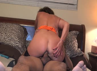 Hotwife goes anal with bbc part 1