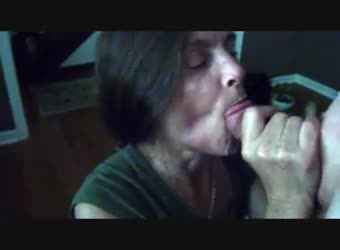 Mature cum swallow