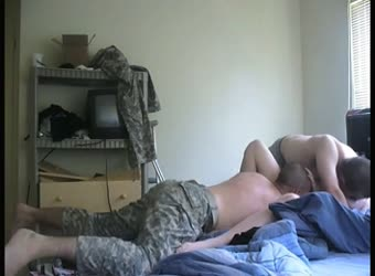 2 soldiers share a chubby before deployment
