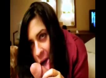 Seductive Puerto Rican blowjob and swallow