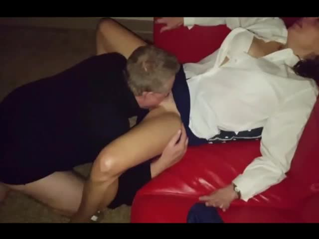 Amateur Wife Fucks Strangers