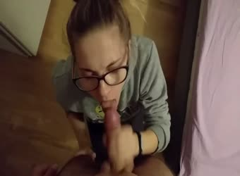 Nerdy honor student swallows his cum