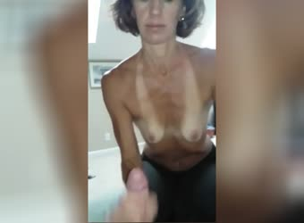 Tanned Mature Sucking And Swallowing