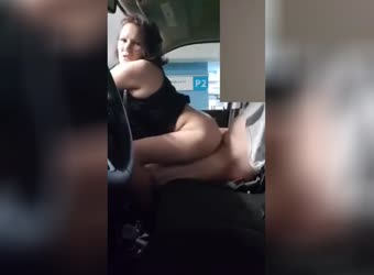 Milf one last fuck in the car before he leaves